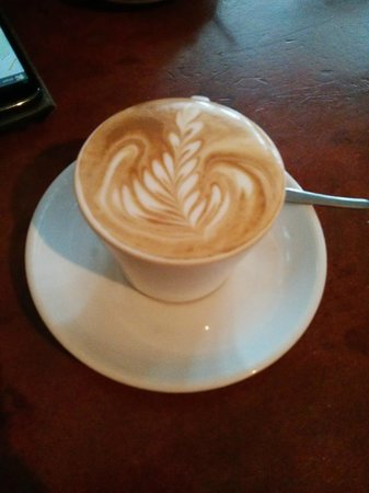 The Elephant Bean Cafe: Latte