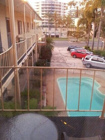 Jasmine Lodge Motel : view from rm 10 over courtyard to wallis st