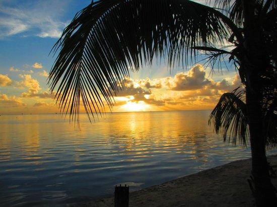 كوكونت كوف ريزورت آند مارينا: Sunrise