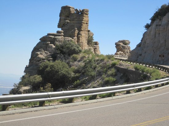 Mt. Lemmon Scenic Byway: One of the many gorgeous rock formations on the ByWay