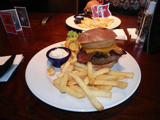 Hard Rock Cafe: Legendary 10 oz Burger