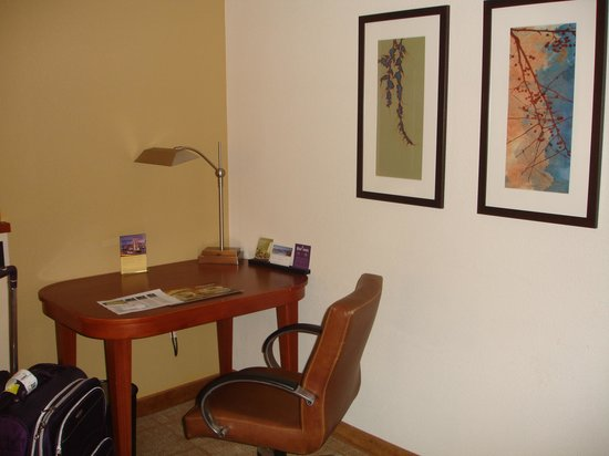 Hyatt Place Secaucus/Meadowlands: Desk Area