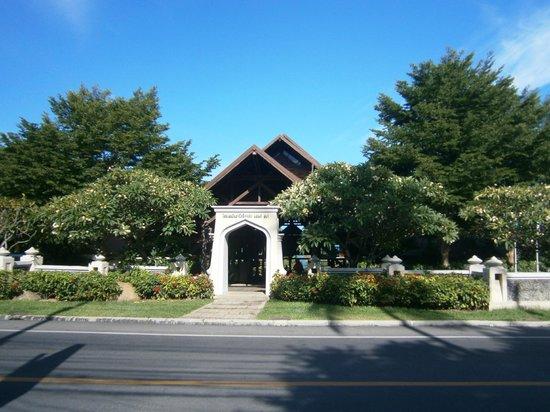 Nora Beach Resort and Spa: Nora Beach Resort & Spa Entrance