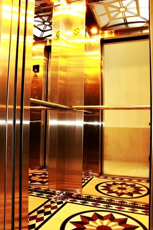 Hanoi Asia Guest House: Elevator