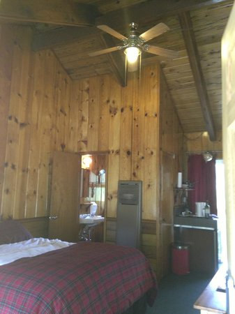 Strawberry Creek Bunkhouse: Unit 15: View from front door