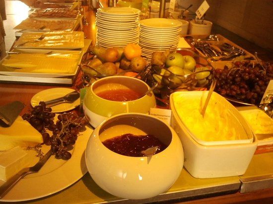 BEST WESTERN PLUS Prince Philip Hotel: Buffet