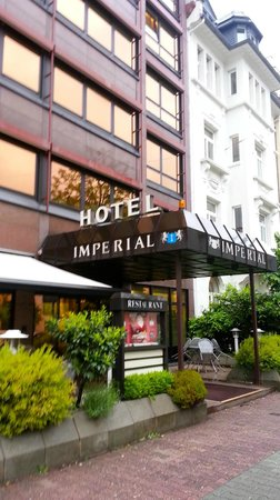 Novum Hotel Imperial Frankfurt Messe: Hotel Main Entrance