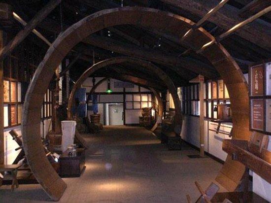 Mizkan Museum: 樽のトンネル