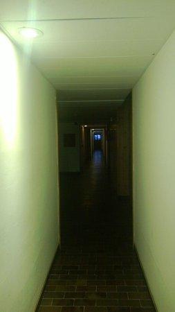 Hotel Quarto Pirovano: Corridoio primo piano