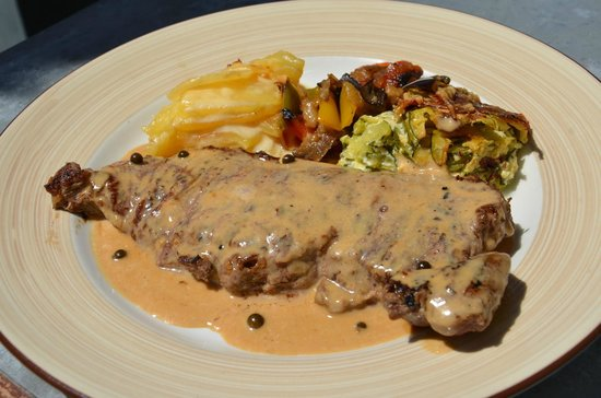 Le 9 Restaurant : Steak au poivre