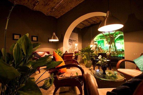 Tourane Bar, Restaurant & Coffee