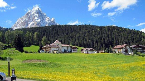 Granvara Relais & Spa Hotel: Zimmerblick auf den Langkofel