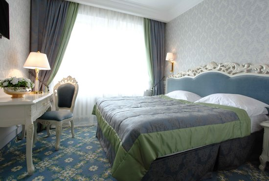 Royal Olympic Hotel: Standard room