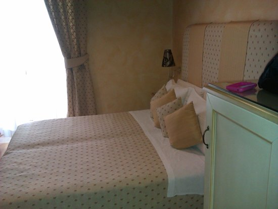 Photo of Rhona's Rooms B&B Rome