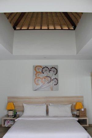 Jas Boutique Villas: Gorgeous bed!