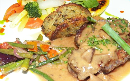 Blue Olive Restaurant and Wine Bar: My steak and Rosti Potatoes