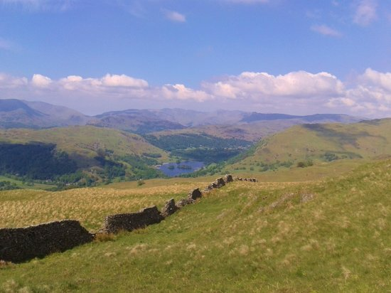 Ambleside Backpackers : Classic Lakeland walking