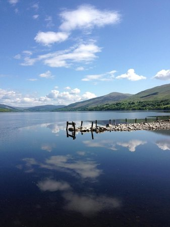 Ardeonaig Hotel: Loch Tay from the pier in the Hotel Grounds