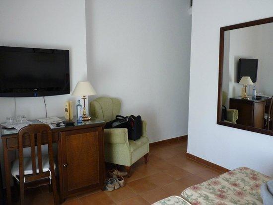 Hotel Los Olivos: Los Olivos : chambre 108