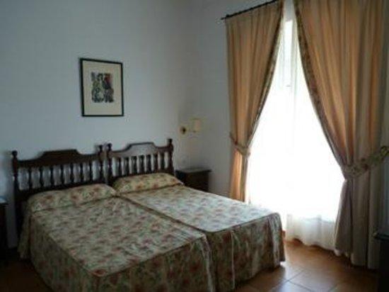 Hotel Los Olivos: Los Olivos Chambre 108