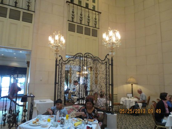 The Ritz-Carlton, Budapest: The Dining Room