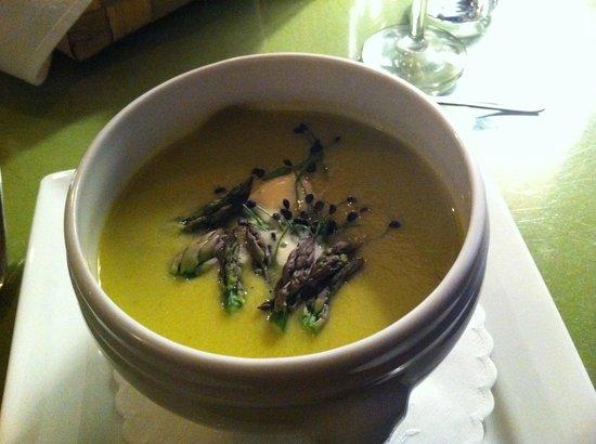 Orient Inn: soup
