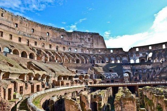 Coliseo: Colosseum Roma - inside