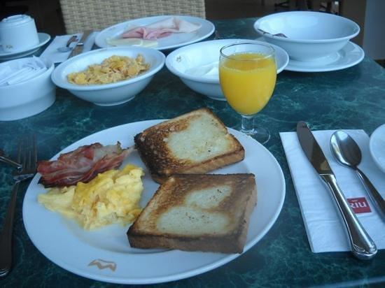 Hotel Riu La Mola : colazione fantastica