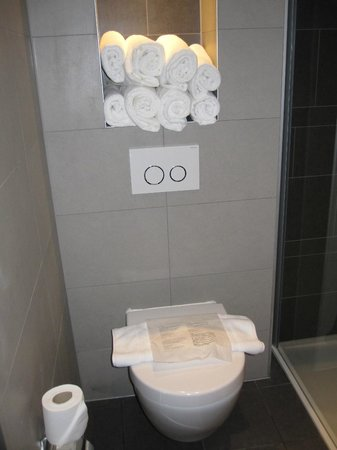 Hotel Golden Tulip Amsterdam West: WC