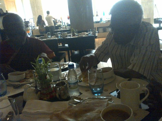 Radisson Blu Hotel Amritsar: dining