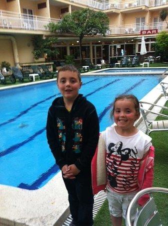 Gran Hotel Flamingo: side pool (Frigola)