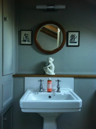 Chapel House at The Lizard: Bathroom