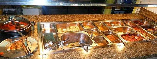Isidro: main course buffet
