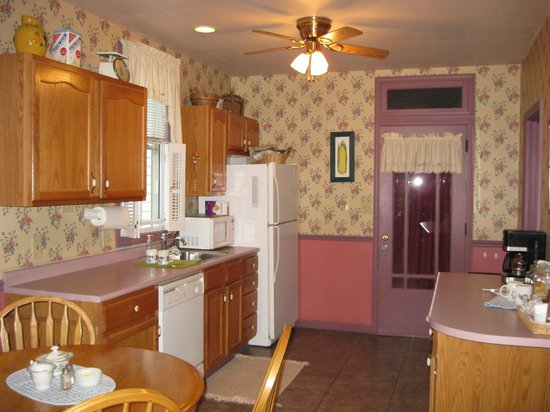 Bright Morning Bed & Breakfast: Kitchen access