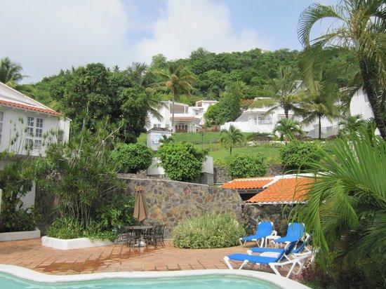 Windjammer Landing Villa Beach Resort: View of grounds from bar area
