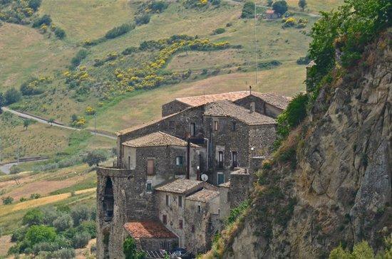 La Tavernetta: Oriolo Village