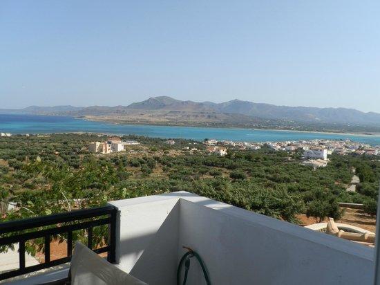 Studios Maniati : θέα από το μπαλκόνι