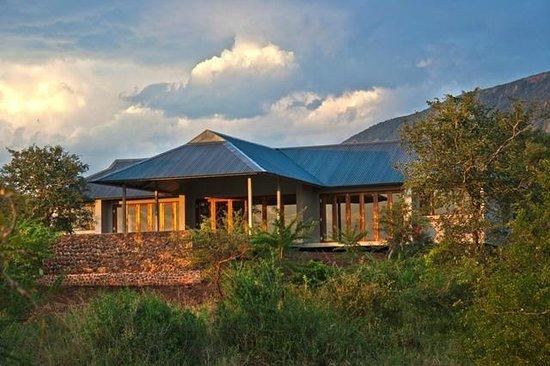 Royal Jozini Accommodation: Bushwillow Lodge