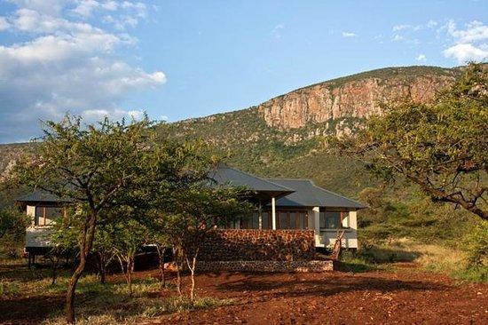 Royal Jozini Accommodation: Bushwillow (222) nestled under the Lebombos