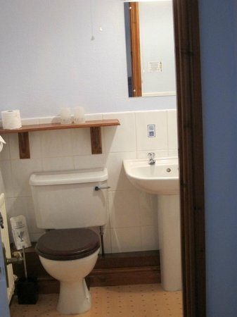 Ivy Lodge : clean bathroom