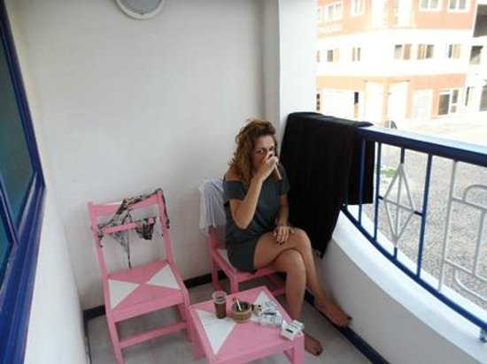 Residencial A Paz B&B: First cigarette at balcony