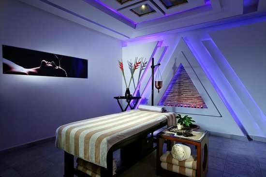 Horas Spa: The Pyramid room!