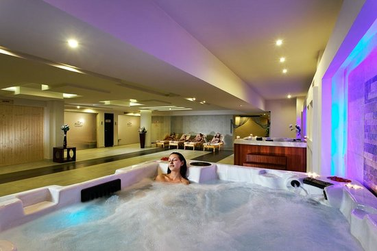 Horas Spa: Jacuzzi