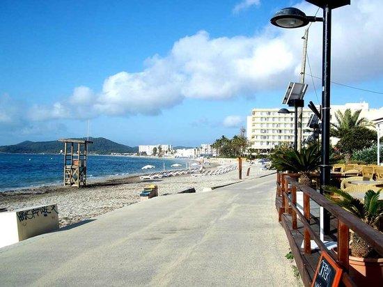 Platja d'en Bossa: Beach