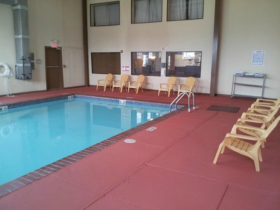 Super 8 Oklahoma City: Indoor Heated Pool
