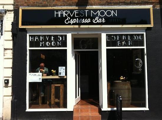 Harvest Moon : Add a caption
