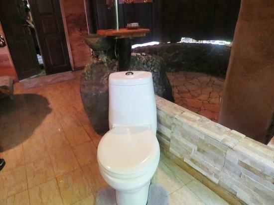 Rohotu Fare : Salle de bain de la villa