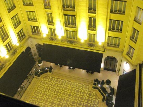Four Seasons Hotel George V Paris: Balcony