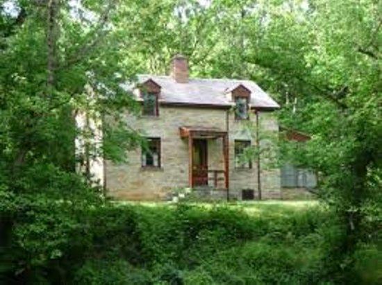 Cabin John, MD: getlstd_property_photo