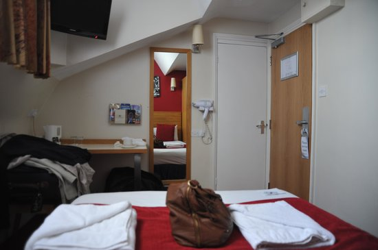 Comfort Inn London - Westminster: Our double room